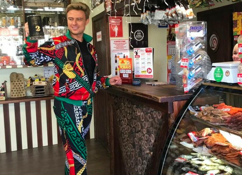 В Брянске скандальный певец Шаляпин напился пива