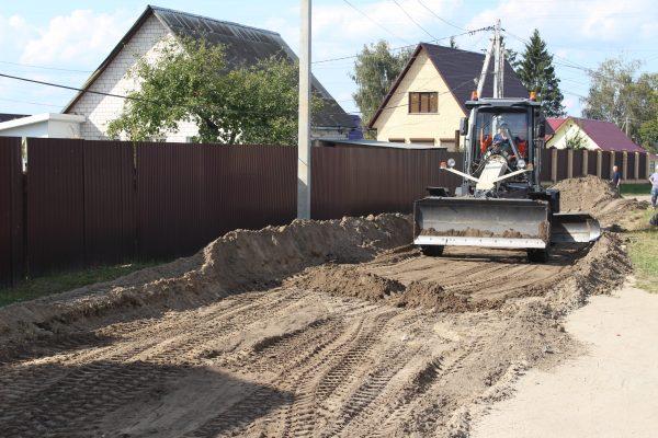 В Унече строят новую дорогу за 20 млн рублей
