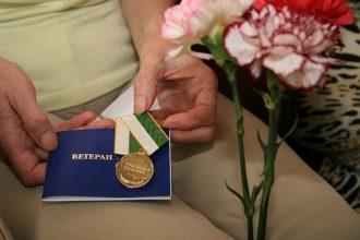Брянский губернатор Богомаз повысил пенсии ветеранам труда