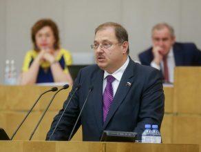 Брянский депутат Борис Пайкин прокомментировал рост выплат по детским пособиям