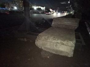 В Брянске на месте рухнувшего столба приняли меры по безопасности