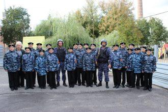 В Брянске сотрудники Росгвардии рассказали о своей работе кадетам