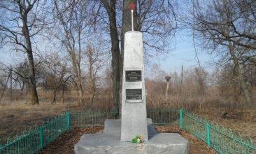 В Гордеевском районе чиновники нарушили правила содержания воинских мемориалов
