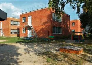 Суземский детский сад успел получить крышу до сезона дождей