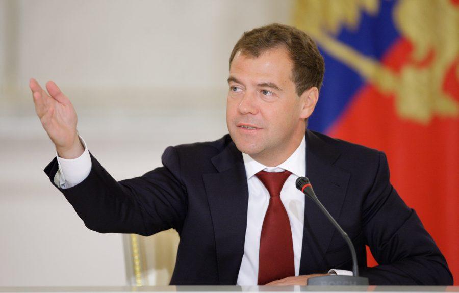 Премьер Медведев выделил Брянщине 22 автомобиля «скорой помощи»