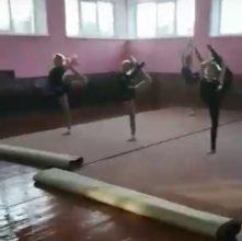 В Климово во время занятий гимнасток затопило спортшколу