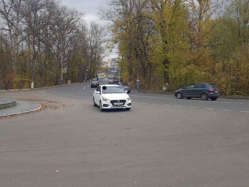 В Брянске возле памятника Артиллеристам произошло ДТП