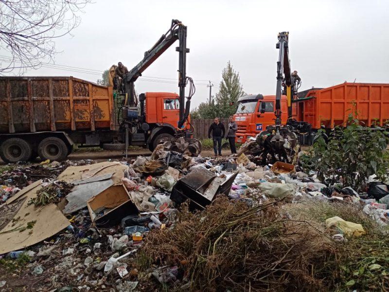 В Брянске дачников спасли от разрастающейся свалки