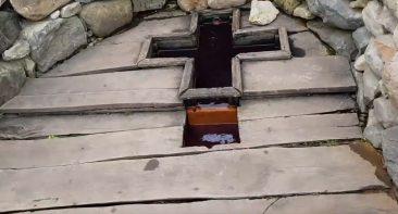 В брянском поселке Белые Берега вандалы продолжают громить святой источник