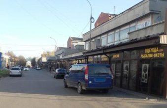 В Брянске возле «Магнита» неизвестный водитель сломал ногу пенсионеру