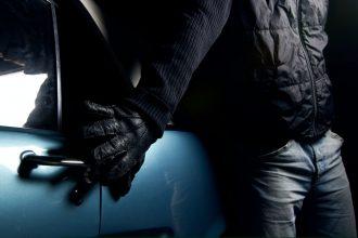 В Климовском районе 18-летний уголовник обчистил «ВАЗ»