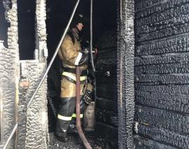 В Брянске горящую баню тушили 40 минут