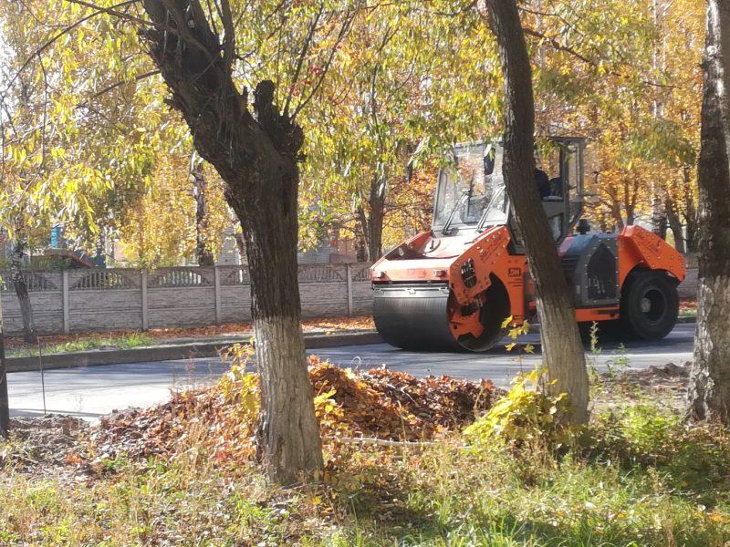 Жителей Дятьково удивила отремонтированная дорога без перехода
