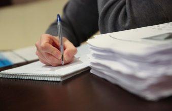 В Брянске 16 чиновников скрыли свои доходы