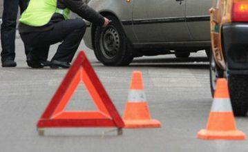 В Клинцах на перекрестке столкнулись Volkswagen и Toyota