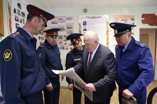 В Брянске летчик-космонавт Виктор Афанасьев побывал в СИЗО