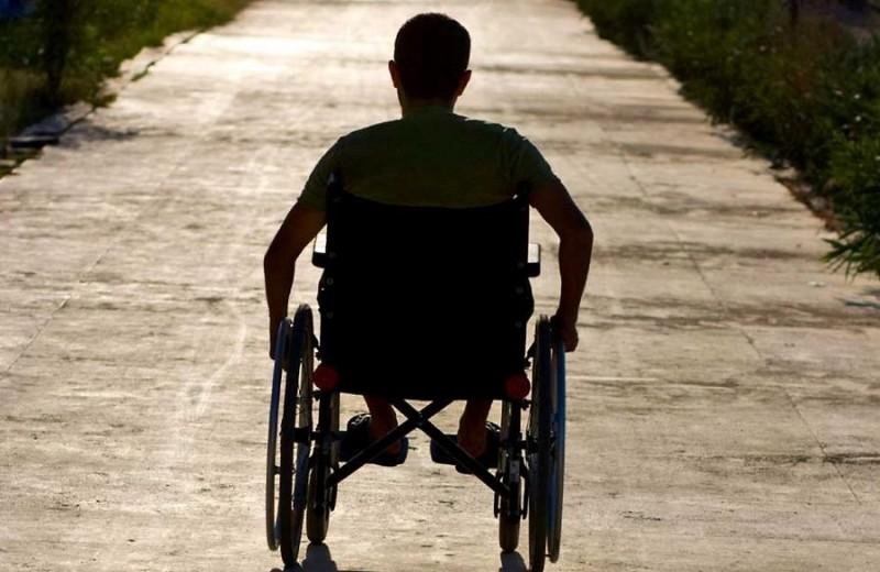 В Злынке инвалиду отрезали путь к продуктовому магазину