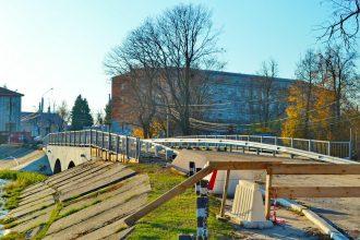 В Новозыбкове затянулся ремонт старинного моста