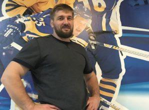Брянский боец Виталий Минаков ожидает назначения в Росмолодежь