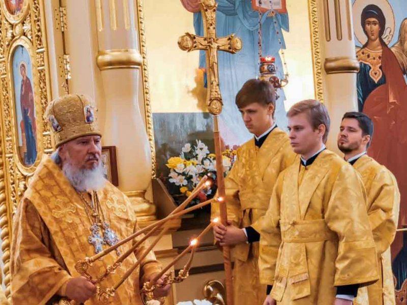 Патриарх Кирилл подарил брянским храмам 30 богослужебных книг