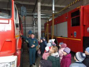 В Брянске спасатели организовали экскурсию для гимназистов