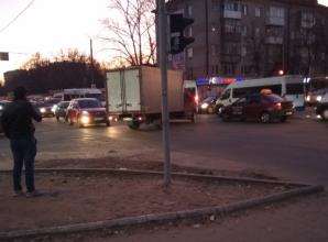Брянск встал в пробке на Литейном мосту