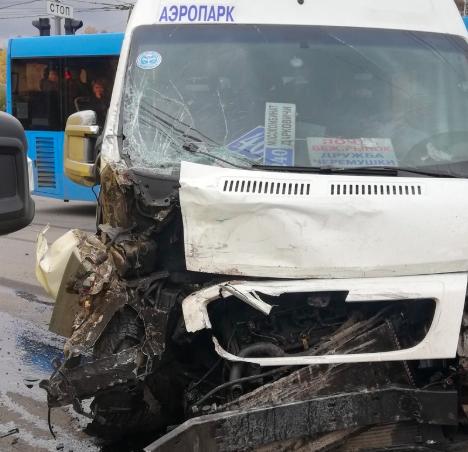 В Брянске 6 человек пострадали в ДТП с маршруткой №40