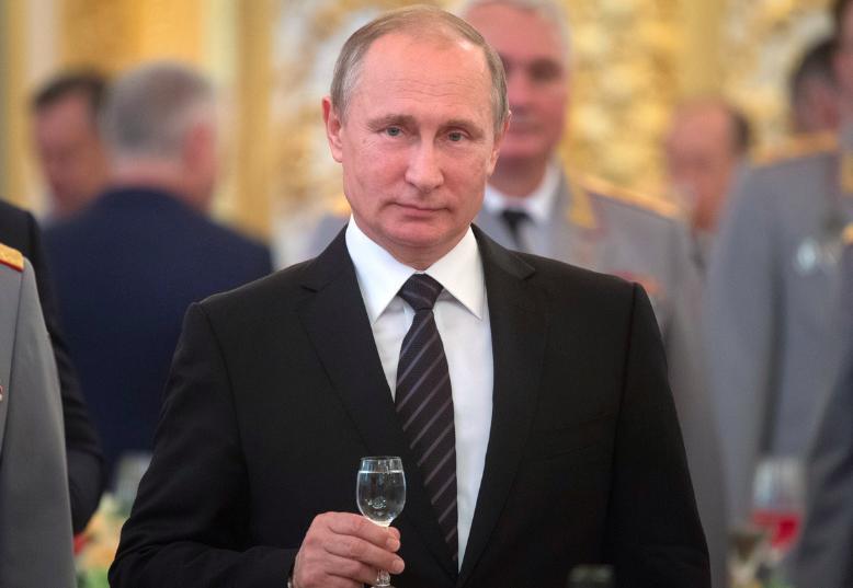 Брянский губернатор поздравил Путина с 67-летием