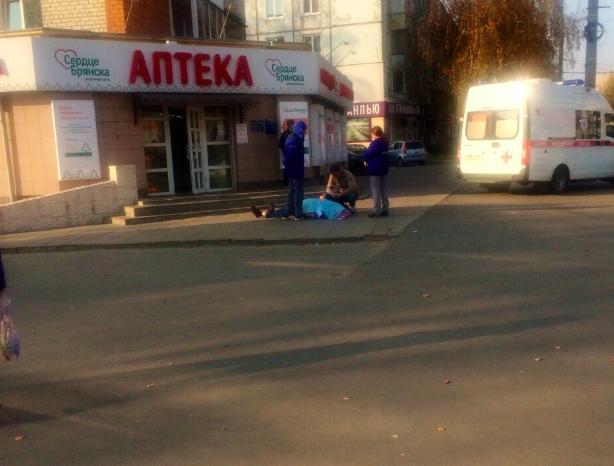 В Брянске на тротуаре умер мужчина