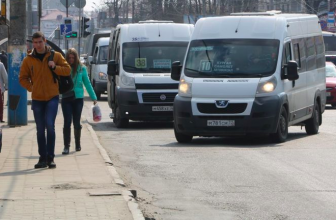 В Брянске за сутки поймали 66 маршрутчиков-нарушителей