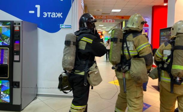 В Брянске спасатели разбирают детали тренировки в ТРЦ «Мельница»