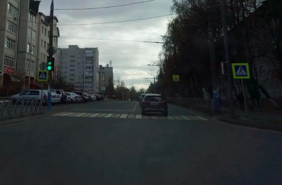 В Брянске включили светофор на перекрестке Костычева и Горбатова