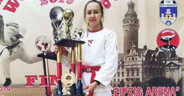 Брянская студентка завоевала Кубок мира по рукопашному бою