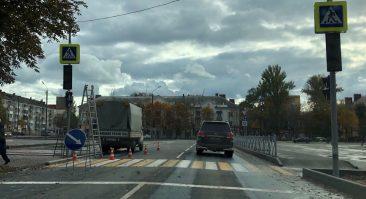 В Брянске возле скандального кольца появился новый светофор