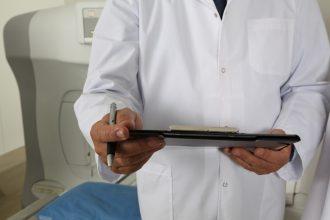 В Сураже главврача больницы оштрафовали за волокиту с обращениями граждан