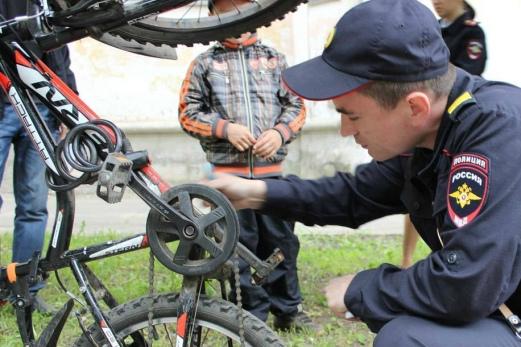 Брянские полицейские раскрыли кражу двух велосипедов