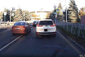 В Брянске сняли на видео хамский маневр водителя Hyundai