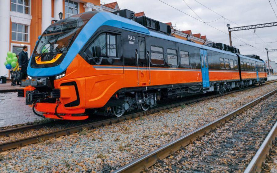 Сегодня из Орла в Брянск отправился новый рельсовый автобус