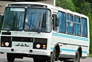 Новозыбков удивил экс-чиновник Чебыкин в очереди за льготным проездным