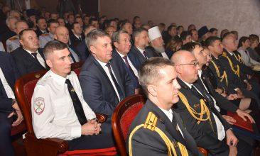 Брянских полицейских поздравили с профессиональным праздником