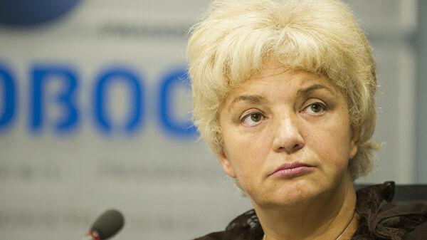 Виновница гигантских очередей за медсправками в Брянске пошла на повышение