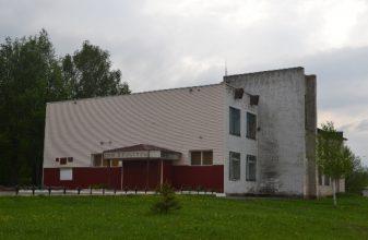 В Жирятино за 2,1 миллиона рублей отремонтировали ДК