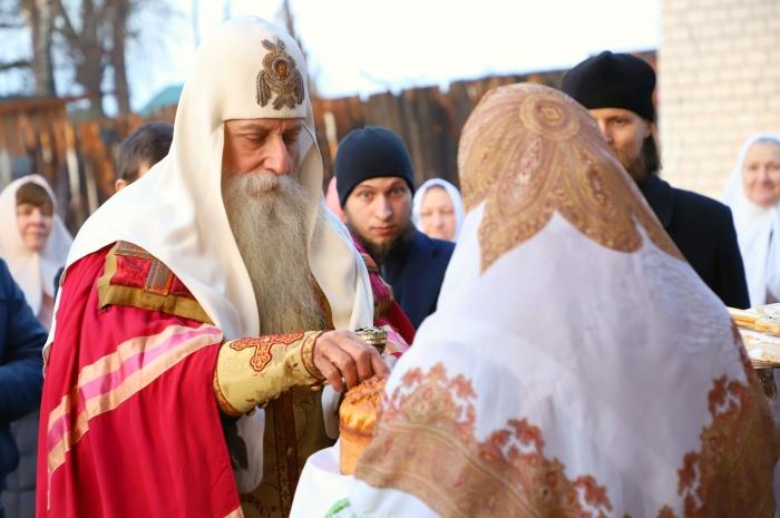 В Клинцы приехал митрополит Московский и всея Руси Корнилий