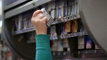 Брянцев призвали «сдавать» открыто торгующих сигаретами продавцов
