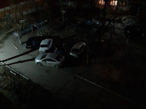 В Брянске на улице Пушкина сфотографировали «мастера парковки»