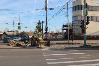 В Брянске расширяют перекресток на Городищенской горке