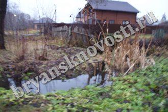 В центре Новозыбкова нерасторопные коммунальщики устроили локальное бедствие