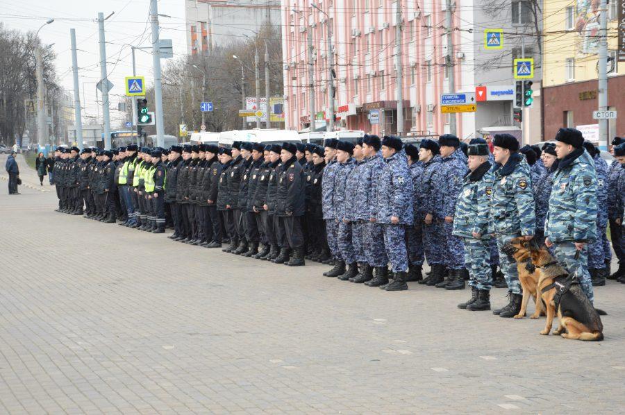 Брянские полицейские и росгвардейцы показали свои навыки