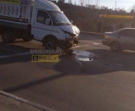 В Брянске грузовик попал в ДТП на Городищенской горке