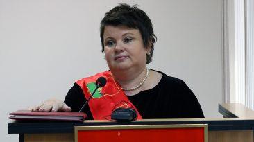 Глава Брянска Марина Дбар отмечает день рождения